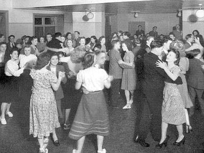 8_dancing_V2.jpg